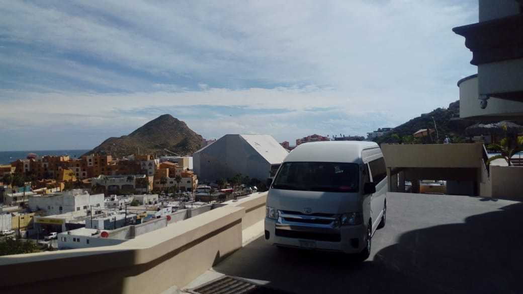 Shared Shuttle & Private Shuttle in Cabo